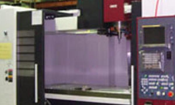 OKK社製 VM7 高速マシニングセンタ [3基]