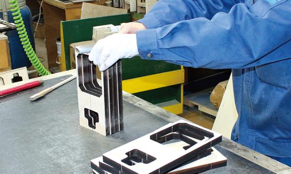 精密な真空成形をサポートするプラグの製作